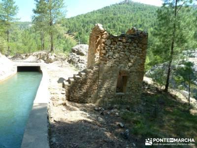 Hoz de Tragavivos; asociaciones de montaña madrid; rutas excursiones;laguna de sanabria
